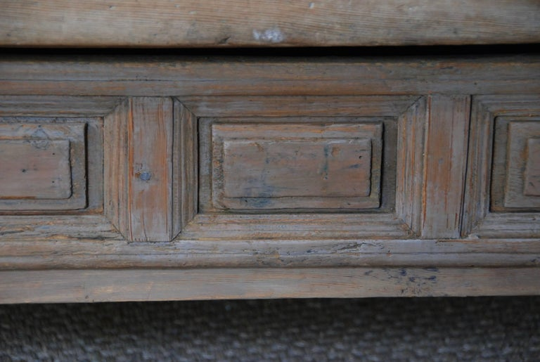 18th Century Swedish Coffee Table In Excellent Condition For Sale In Encinitas, CA