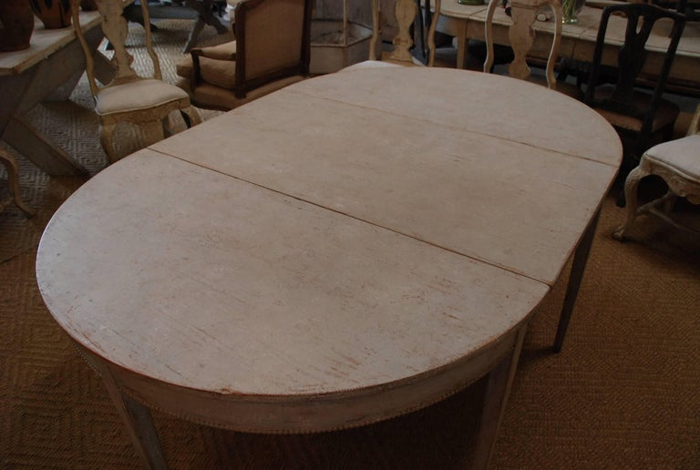 Swedish Gustavian Oval Dining Table In Excellent Condition For Sale In Encinitas, CA