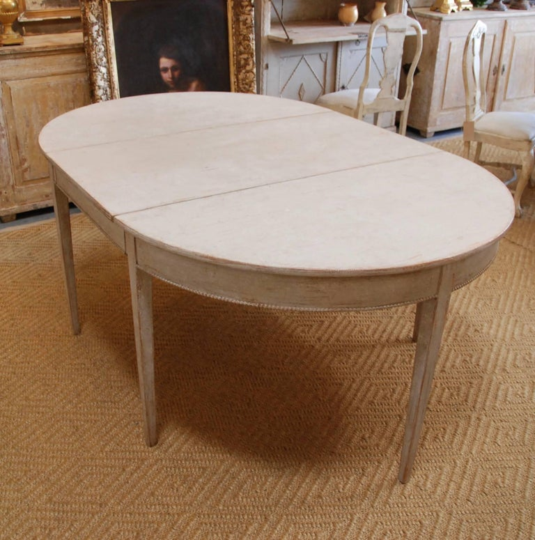 19th Century Swedish Gustavian Oval Dining Table For Sale