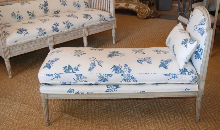 Early 19th Century French Painted Chaise For Sale 3