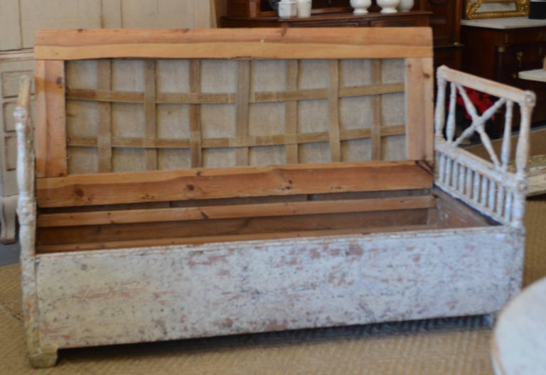 18th Century and Earlier 18th Century Swedish Gustavian Daybed For Sale