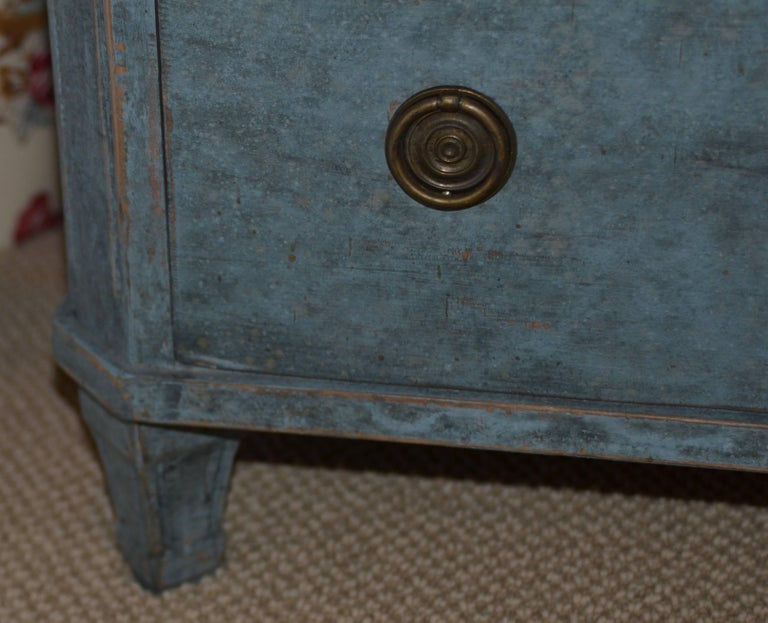 Pair of 19th Century Swedish Gustavian Painted Chests For Sale 3
