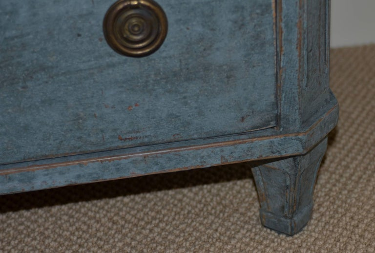 Pair of 19th Century Swedish Gustavian Painted Chests For Sale 2