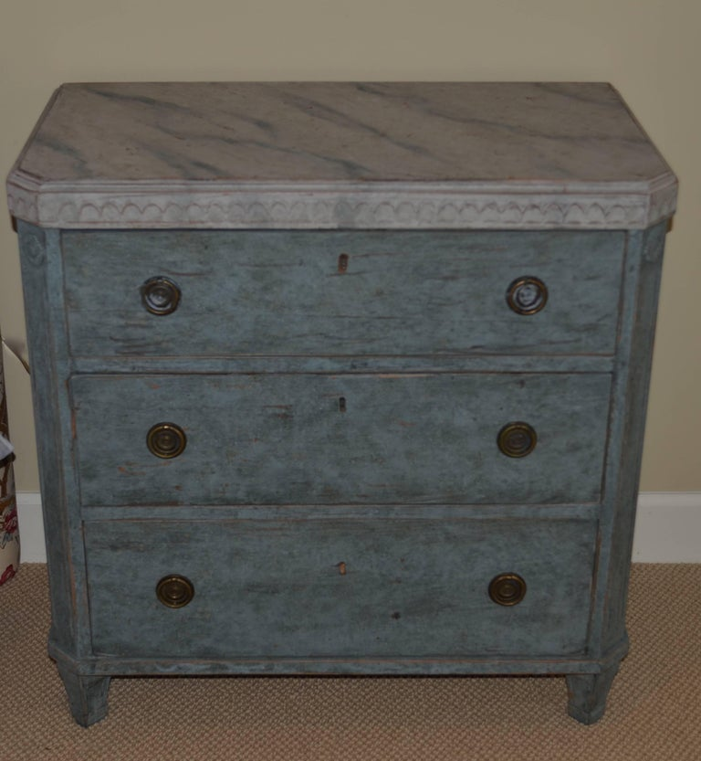 Pair of 19th Century Swedish Gustavian Painted Chests For Sale 5
