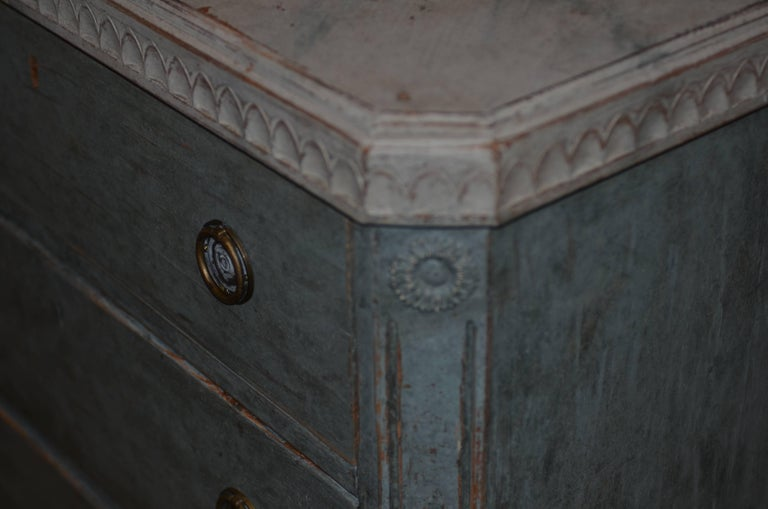 Pair of 19th Century Swedish Gustavian Painted Chests For Sale 6