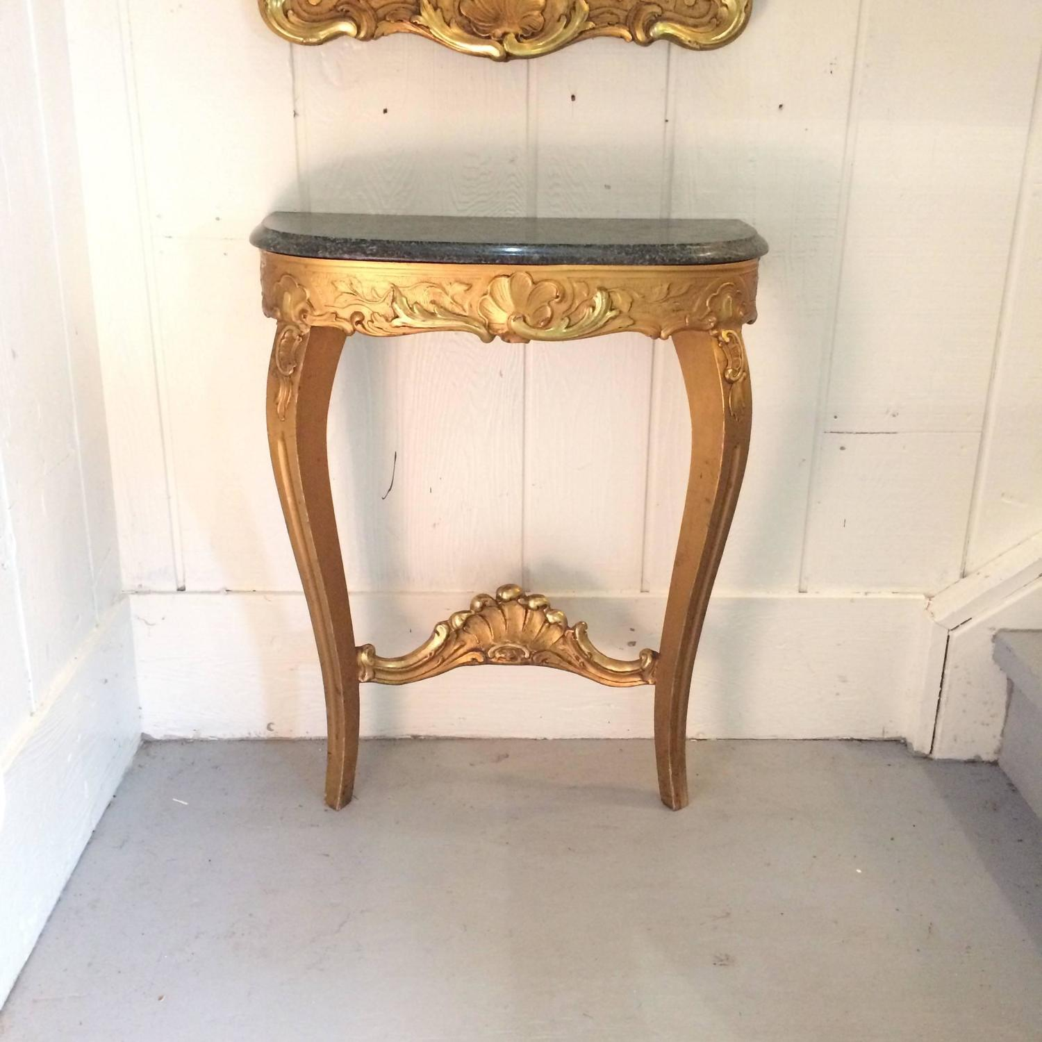 Foyer Table And Mirror On Sale On Kijiji : Lovely giltwood and marble hall table mirror set for