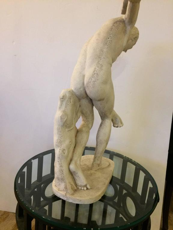 Classical Sculpture of Greek Discus Thrower In Excellent Condition For Sale In Hopewell, NJ