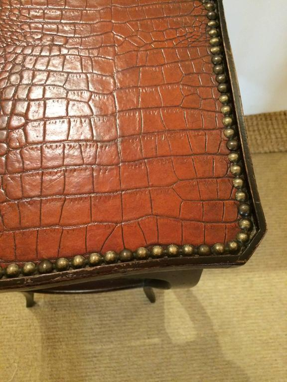 Handsome Faux Alligator and Ebonized Walnut Side Table End Table In Excellent Condition For Sale In Hopewell, NJ