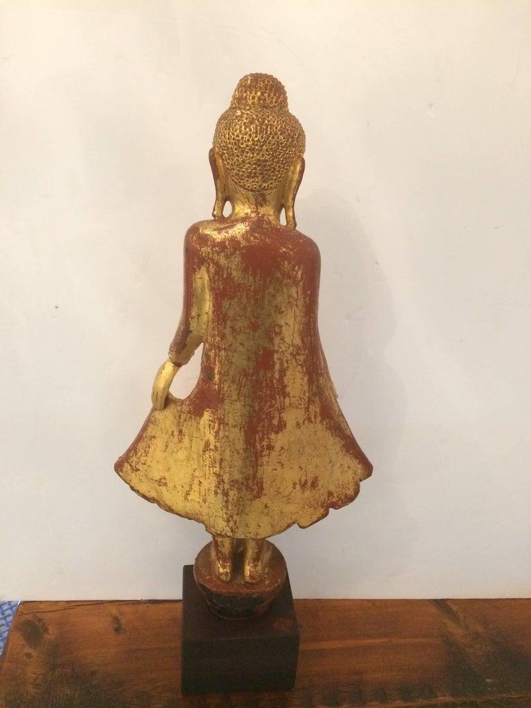 Gem of a Giltwood Thai Buddha Sculpture For Sale 4