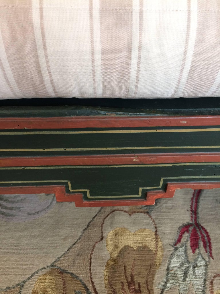 Charming Hand-Painted Large Swedish Sofa Bench For Sale 2