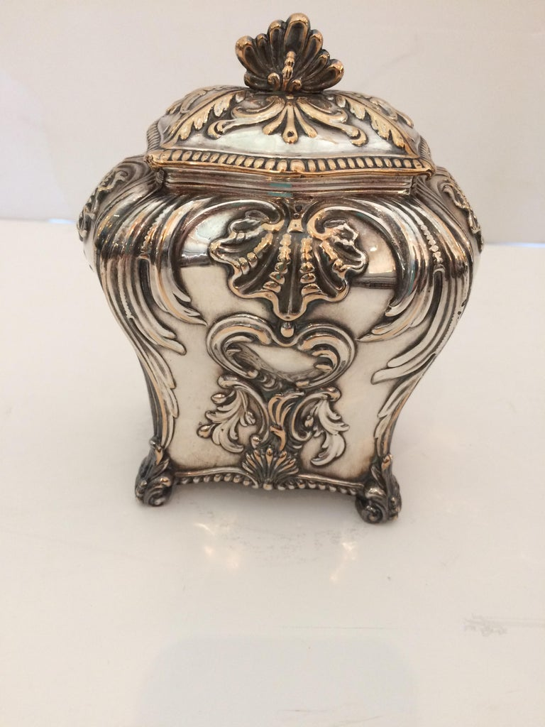 Beautiful Rare Early Sheffield George III Silver Plate Tea Caddy In Excellent Condition For Sale In Hopewell, NJ