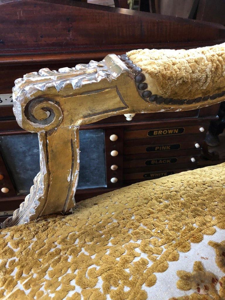 Meant for a Queen Giltwood and Cut Velvet Large French Sofa Settee For Sale 3