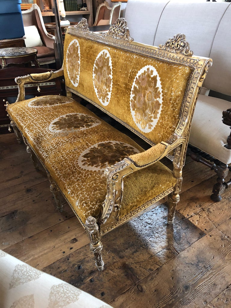 Meant for a Queen Giltwood and Cut Velvet Large French Sofa Settee For Sale 5