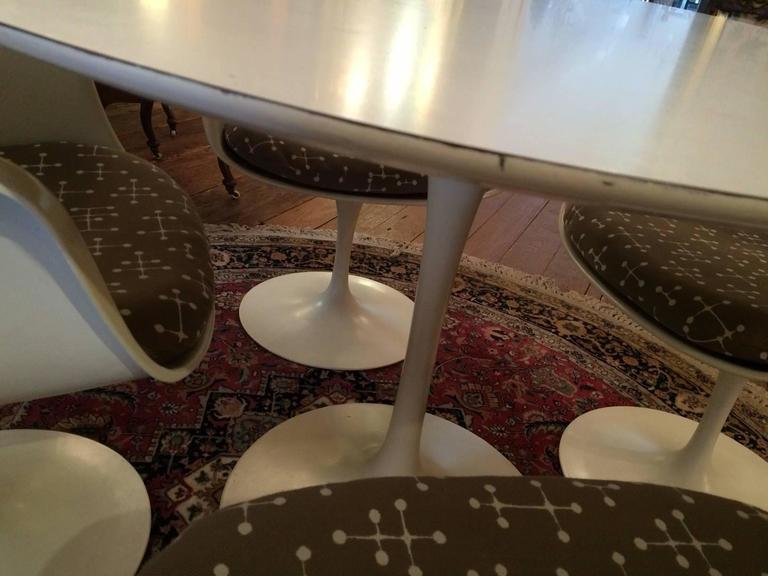Set Of Four Knoll Saarinen Swivel Tulip Armchairs And