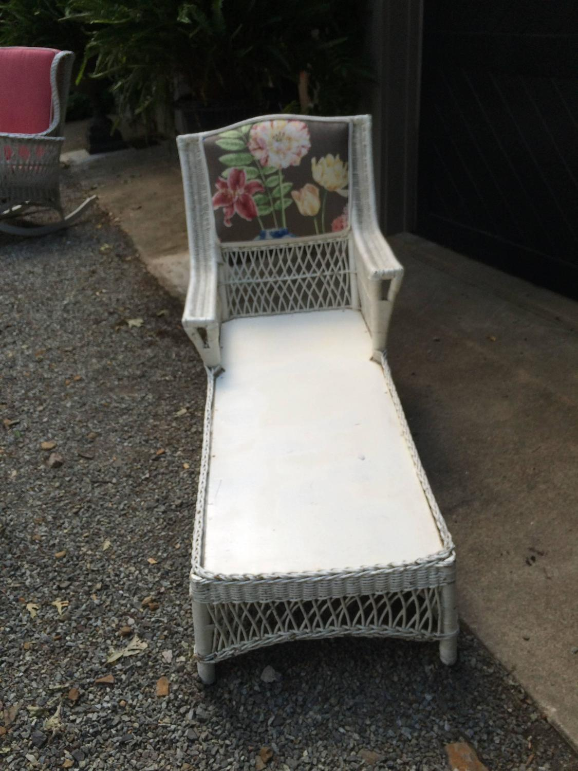 Charming antique wicker chaise longue at 1stdibs for Antique wicker chaise