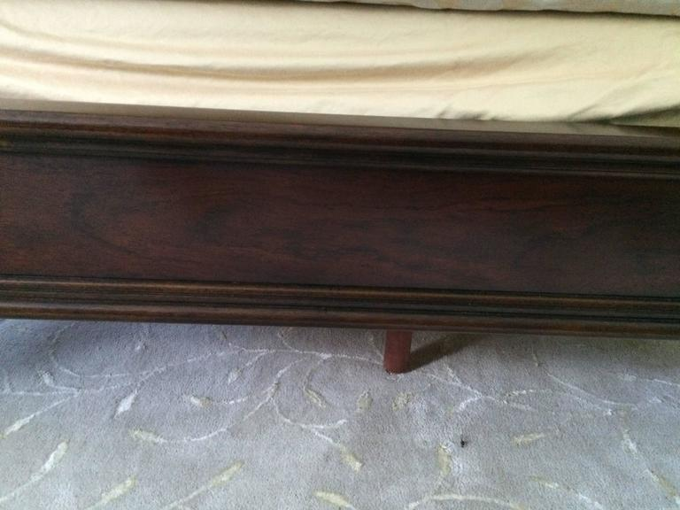 Regal California King Mahogany and Black Leather Sleigh Bed For Sale 4