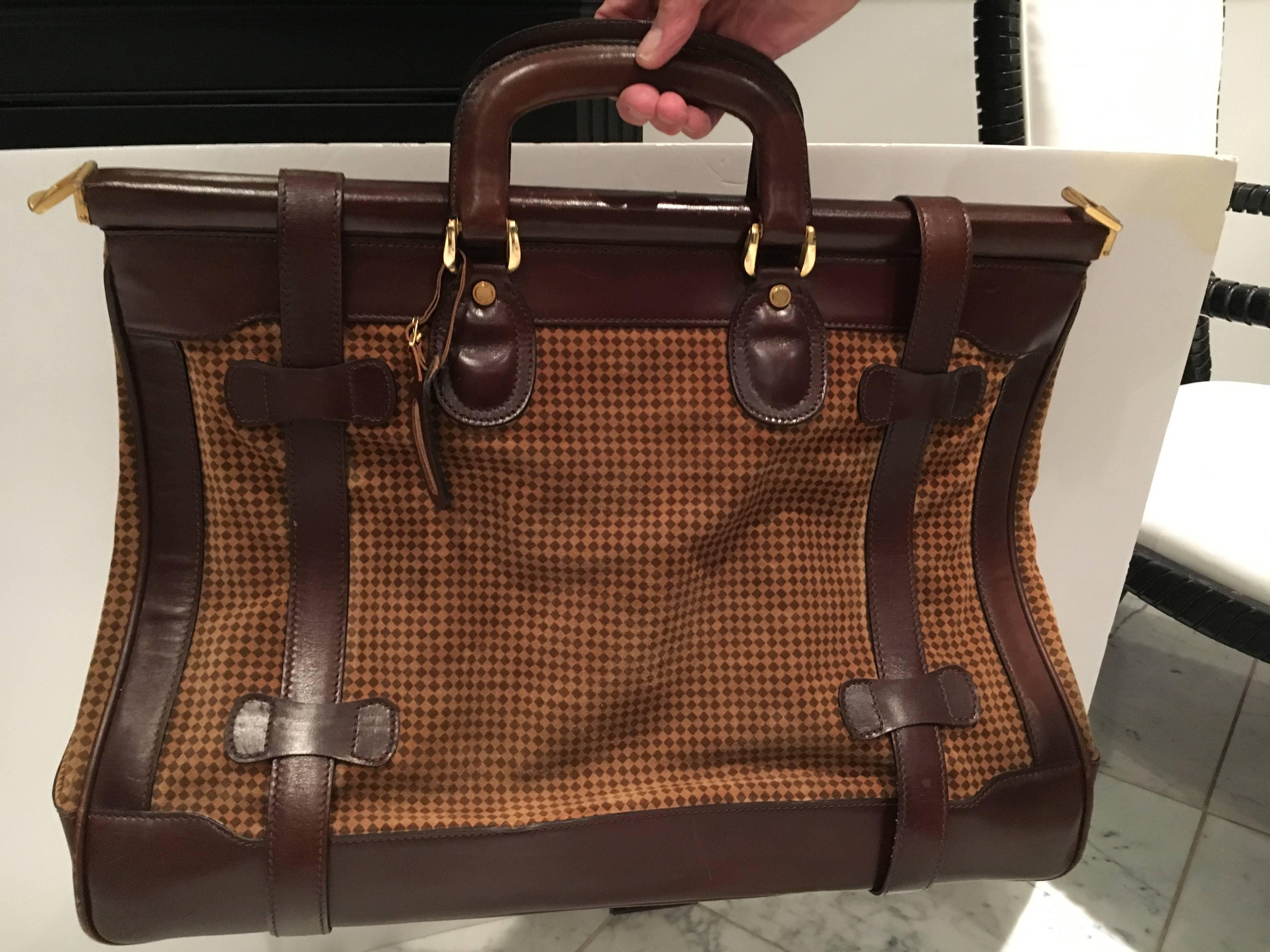 2900c290a1 Mint Condition Vintage Houndstooth and Leather Bottega Veneta Weekend Bag  For Sale at 1stdibs