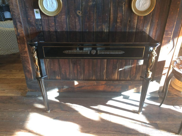 Glamorous Hollywood Regency Neoclassical Black and Gold Console Table For Sale 2