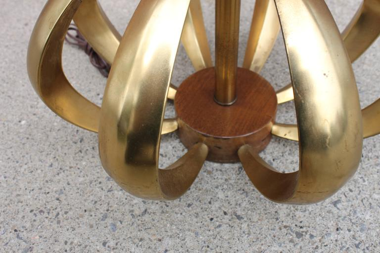 Mid-Century Modern Bronze and Walnut Table Lamp In Good Condition For Sale In Hudson, NY