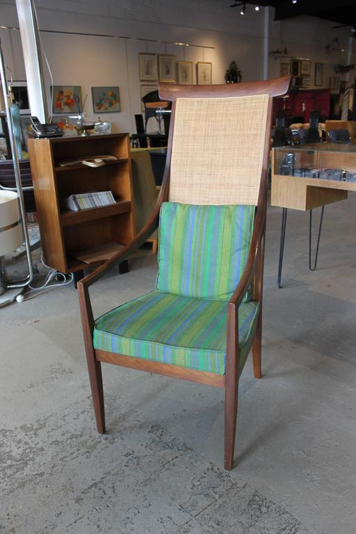 Reminiscent Of A Chinese Yoke Back Chair But In A Mid