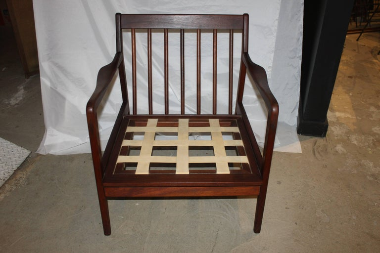 Mid-Century Modern Danish Walnut Lounge Chair 3
