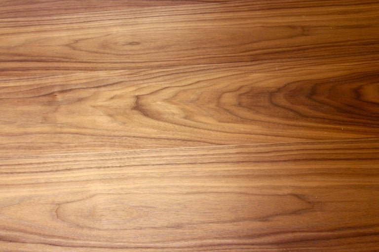 Italian Contemporary Walnut Extendable Dining Table For Sale 3