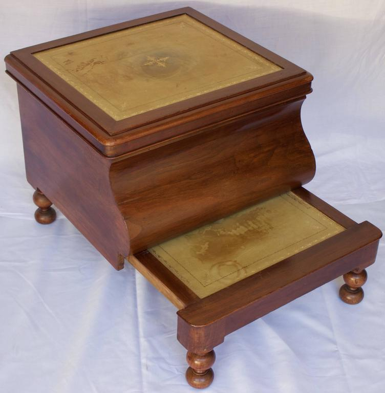 19th century bedside commode with retractable wooden step stool for sale at 1stdibs. Black Bedroom Furniture Sets. Home Design Ideas
