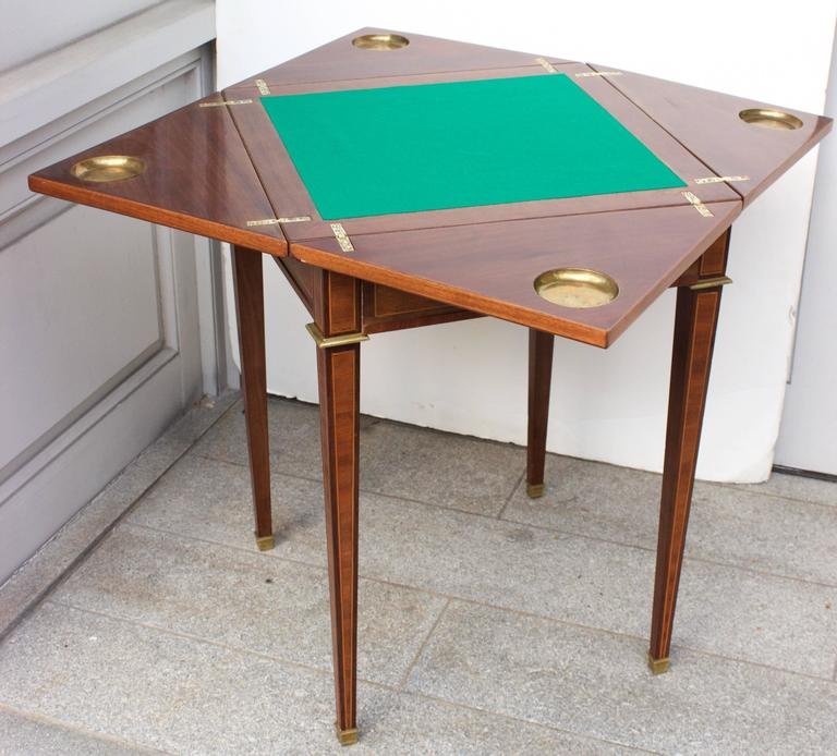 19th Century French Mahogany Handkerchief Card Table For Sale 2