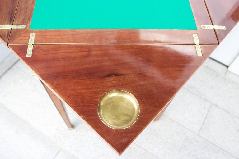 19th Century French Mahogany Handkerchief Card Table For Sale 3