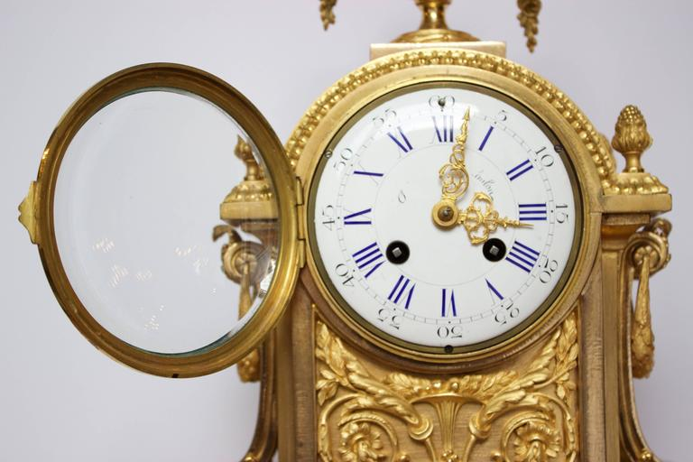 French Napoleon III Period Mantel Clock in Dore Bronze 7