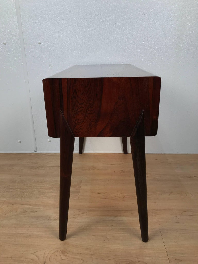 Sculptural AB Glas and Trä Rosewood Chest In Good Condition For Sale In Oaks, PA