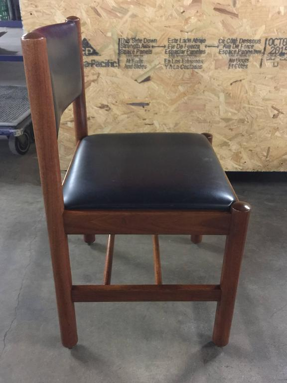 12 Danish Walnut Dining Chairs  In Excellent Condition In Oaks, PA