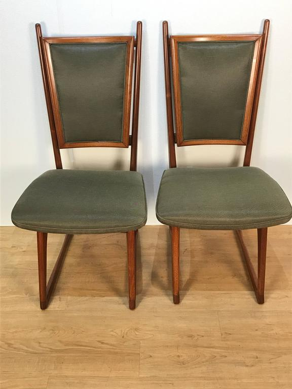 Four Vladimir Kagan Dining Chairs In Good Condition For Sale In Oaks, PA