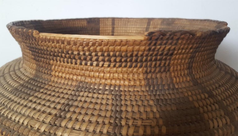 19th Century, Large Pima-Papago Native American Basket For Sale 2