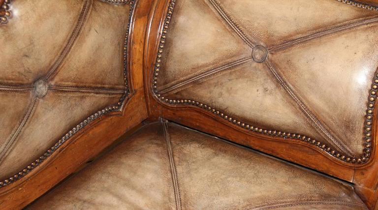 18th Century Italian Walnut Canape 3
