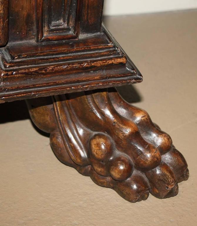 17th Century Tuscan Walnut Commodino 6