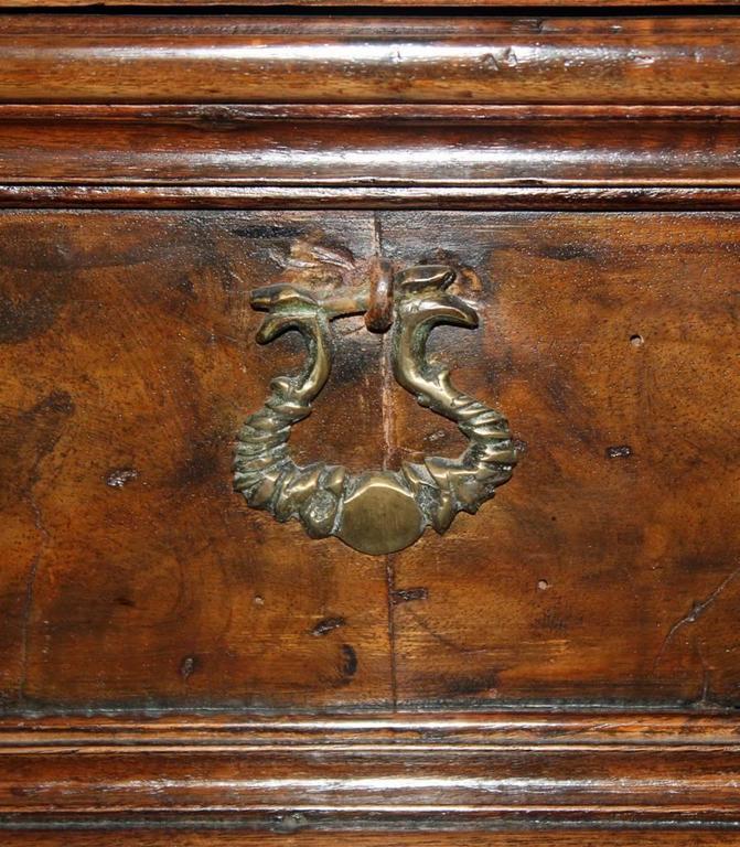 17th Century Tuscan Walnut Commodino 7