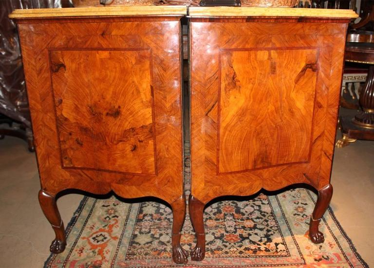 Pair of Superb 18th Century Italian Arbalette Burl Walnut Commodes 8