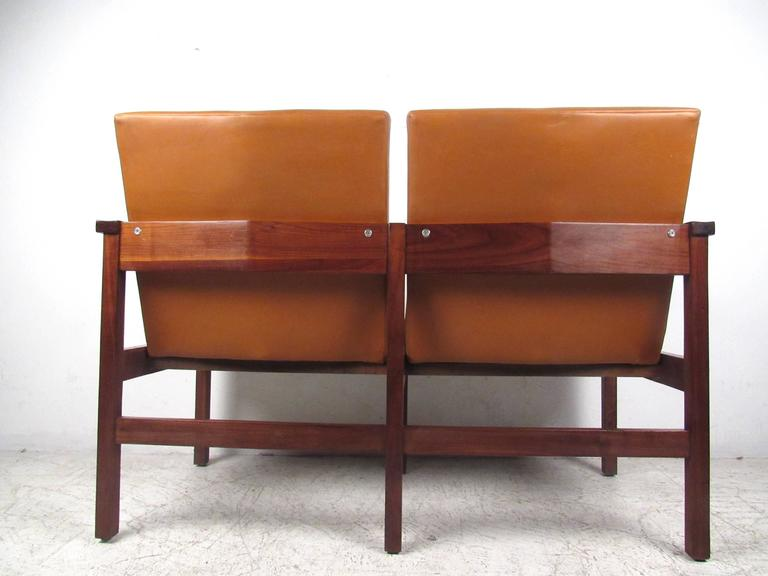 Mid-Century Modern Vinyl and Walnut Settee For Sale 2
