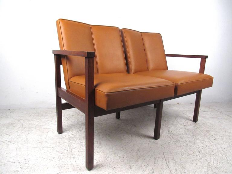 Mid-Century Modern Vinyl and Walnut Settee In Good Condition For Sale In Brooklyn, NY
