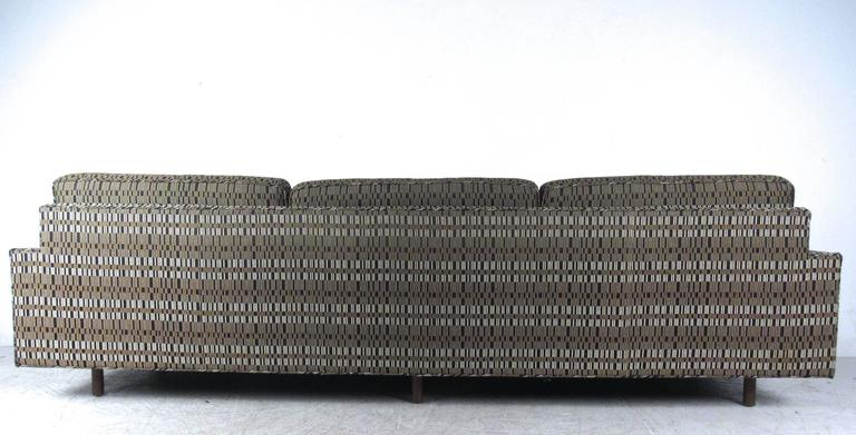 Mid-Century Modern Impressive Mid-Century Sofa by Harvey Probber