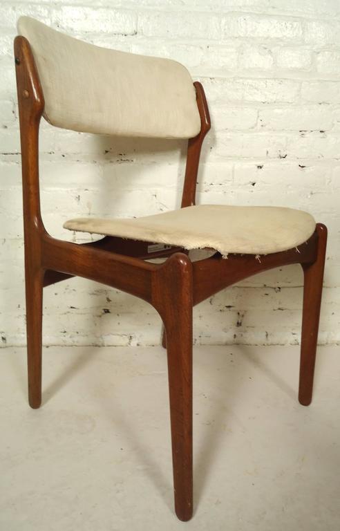 Set Of Vintage Modern Dining Chairs Designed By Erik Buch For Oddense Maskinsnedkeri Please