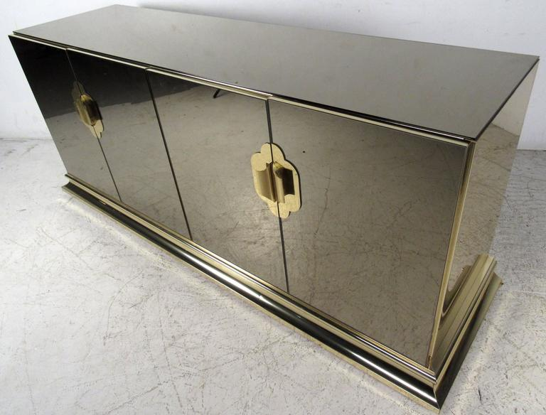 Mid-20th Century Stylish Mirrored Sideboard by Ello Furniture For Sale