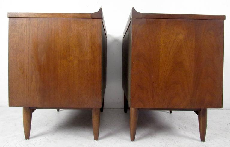 Pair Of Mid Century Sculptura Nightstands By Broyhill At