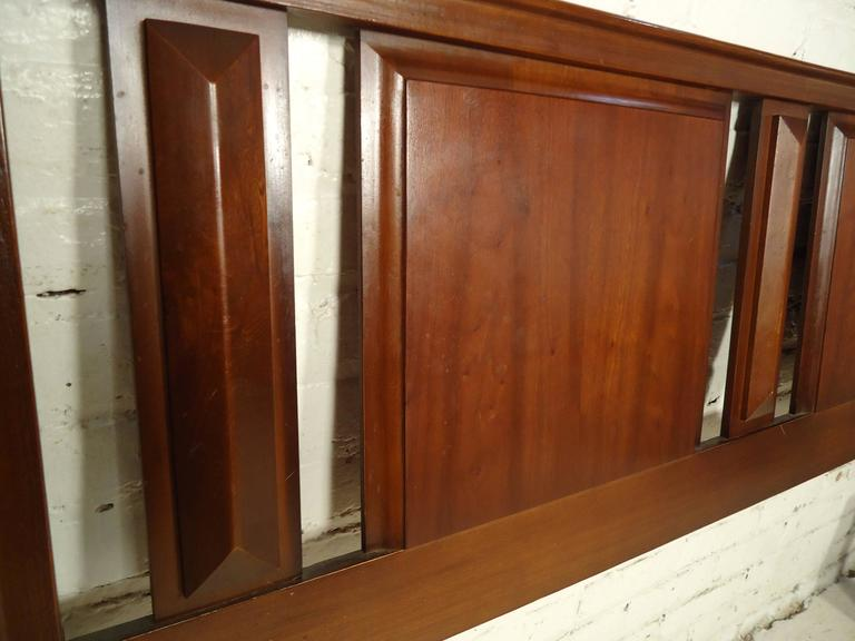 Mid-Century Sculpted Walnut Headboard In Good Condition For Sale In Brooklyn, NY