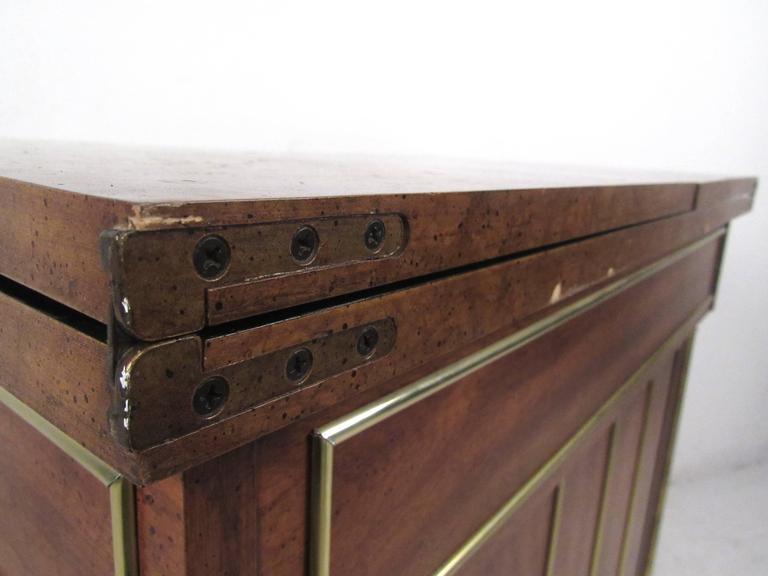 Mid-Century Modern Burl Wood Bar Cart by Weiman For Sale 3