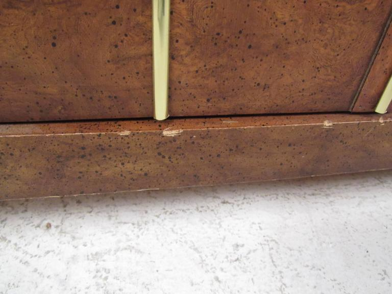 Mid-Century Modern Burl Wood Bar Cart by Weiman For Sale 5