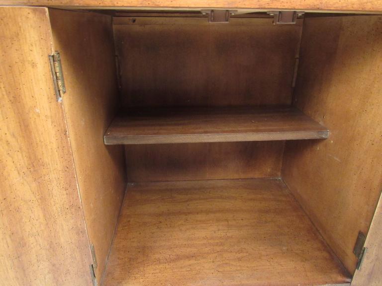Mid-Century Modern Burl Wood Bar Cart by Weiman For Sale 2