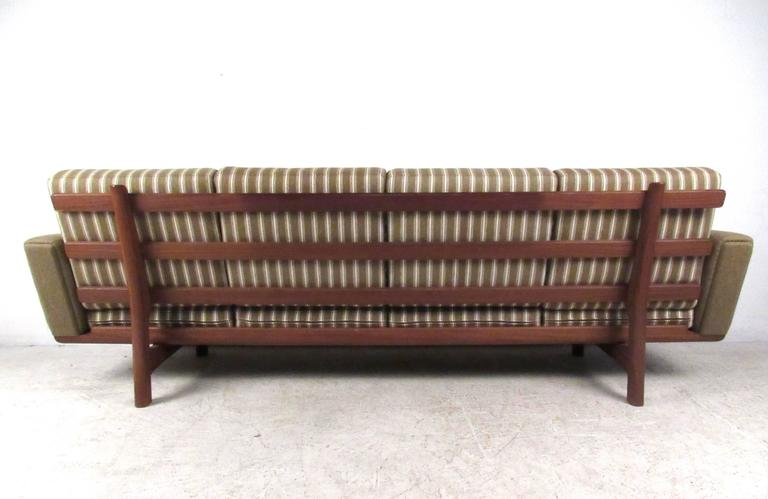 Danish Hans Wegner for GETAMA Sofa 236/4 For Sale