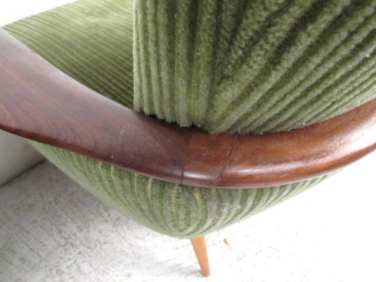 Unique Mid-Century Modern Danish Lounge Chairs For Sale 3